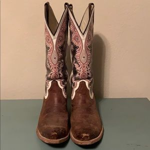 Women's Ariat Boots Size 8.5